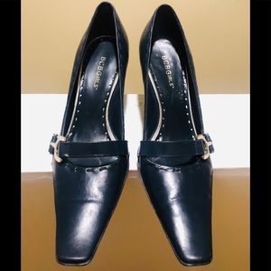 BCBG Navy Blue Pumps With Silver Side Buckle S8.5